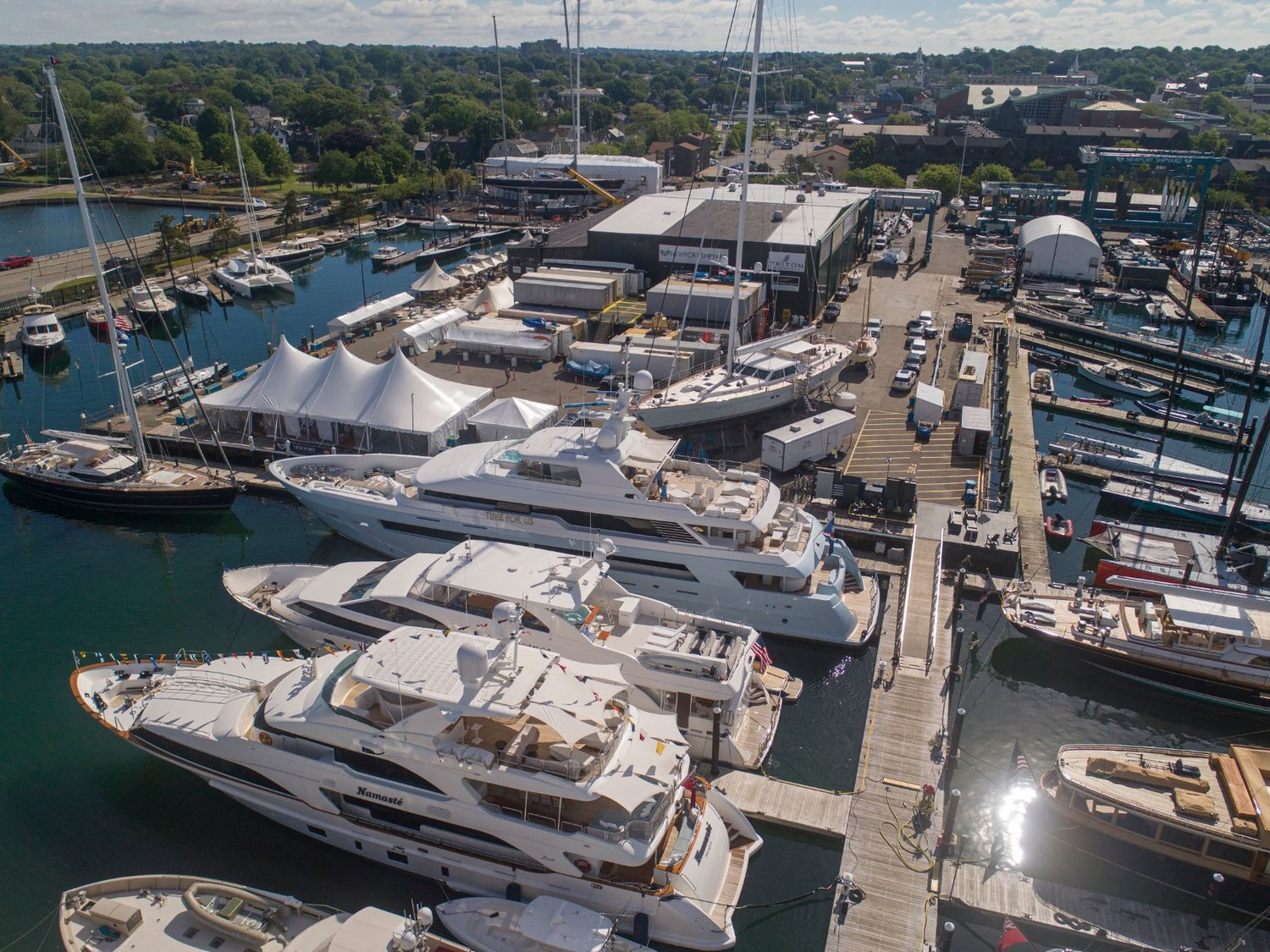 Newport Shipyard from above during show